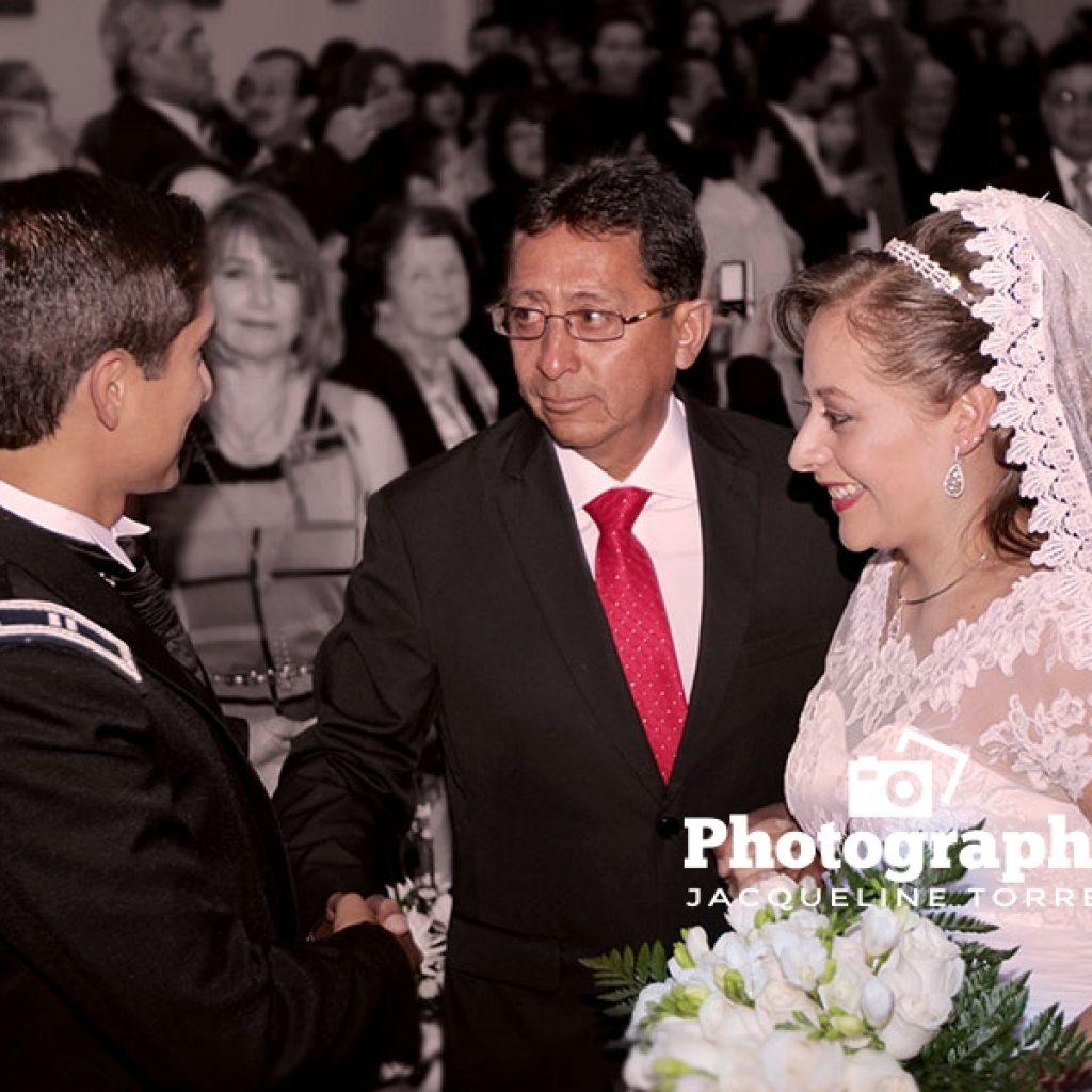 boda-fotografia-iglesia-fotografia-recepcion-fotografia-evento-quintas-valles-jacqueline-torres-photography-quito-ecuador-1024x1024 Galeria de Fotos