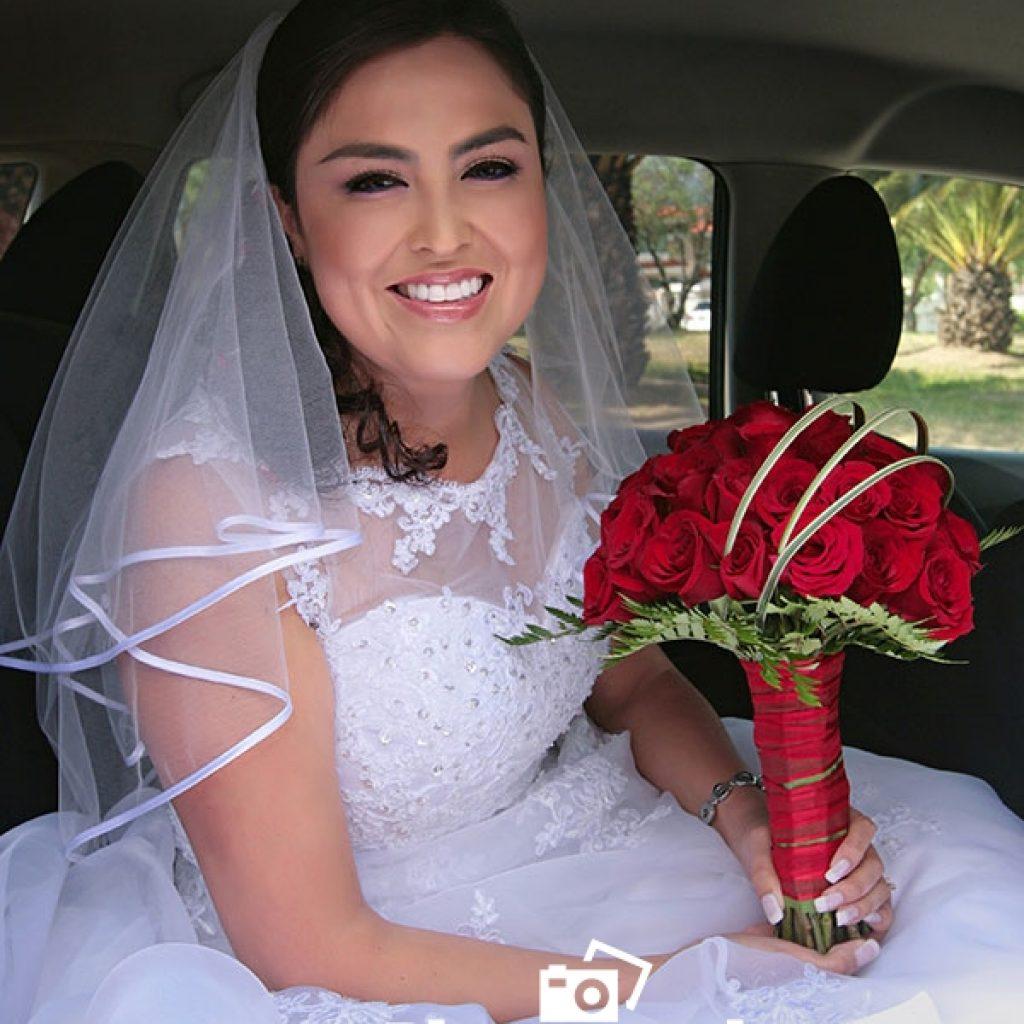 novia-en-un-vehiculo-en-quito-1024x1024 Fotos de Julio 2016 - Actualización